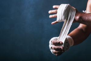 ボクシング なぜバンテージを巻くの? 価格やおすすめメーカーも紹介!