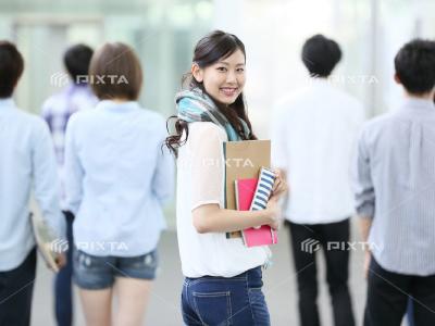 ピクスタの学生写真-3