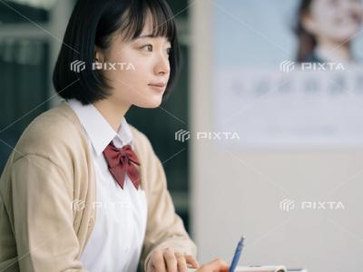 ピクスタの学生写真-2