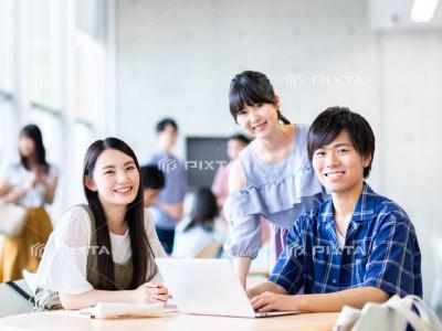 ピクスタの学生写真-4