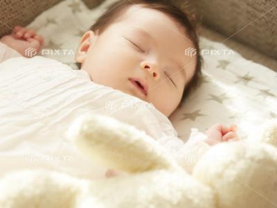 ピクスタの赤ちゃん写真-1