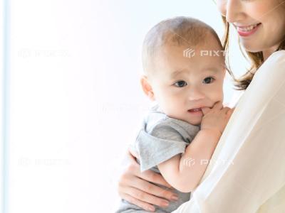 ピクスタの赤ちゃん写真-2
